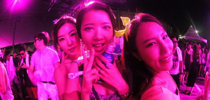 Ultra Music Festival girls